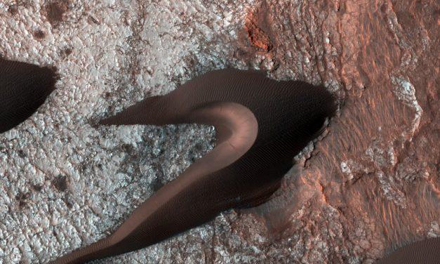 Stabbagrót og sanddýnir á Mars